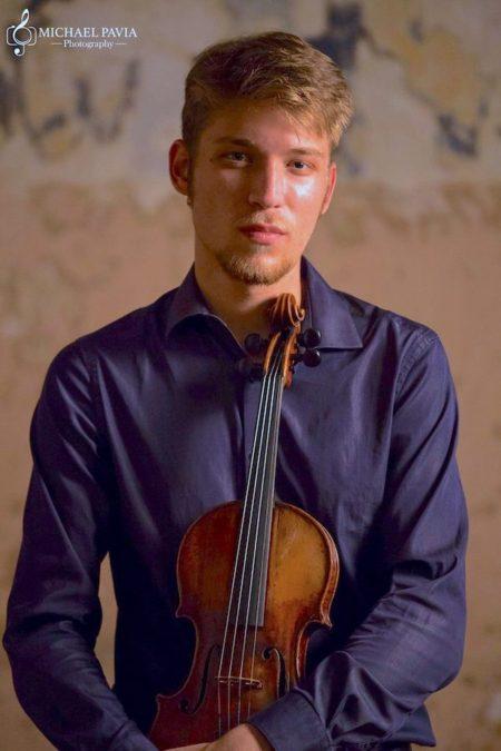 Edi Kotlyar, violin. Photo by Michael Pavia Photography